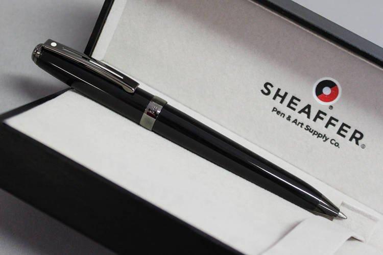 9144 Długopis Sheaffer Prelude, czarne, wykończenia w kolorze czarnym