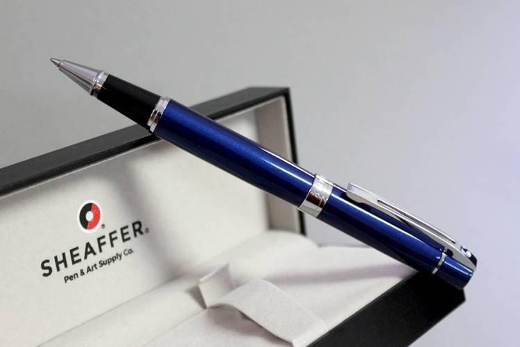 9341 RB Pióro kulkowe Sheaffer kolekcja 300, niebieskie, wykończenia chromowane