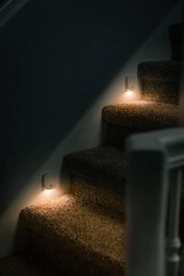 NEBO Lampka z SENSORem ruchu